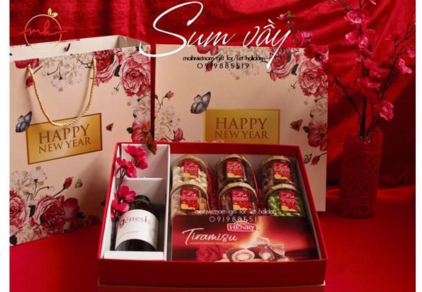 In hộp quà Tết giá rẻ đối với doanh nghiệp để gửi lời tri ân đến khách hàng