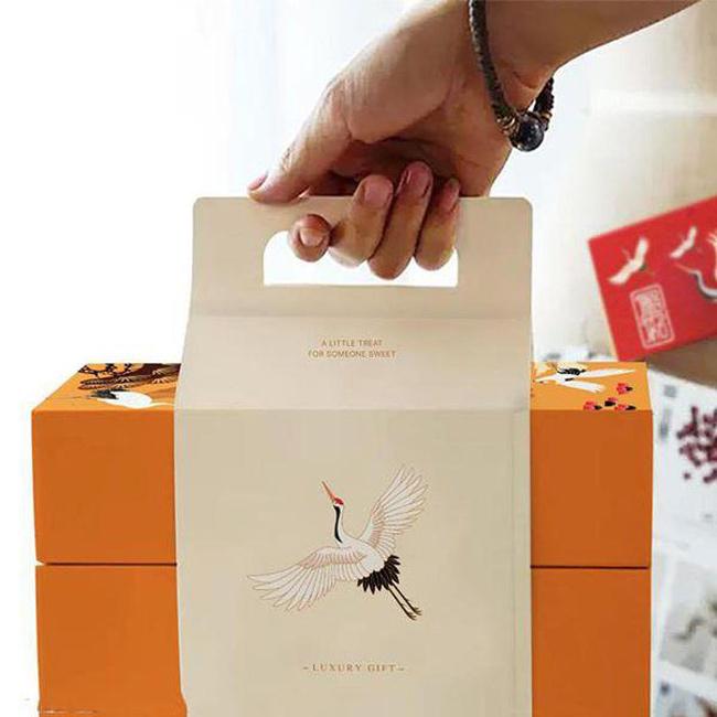 Mẫu in hộp bánh trung thu kèm túi tại Sắc Hoa Box 2