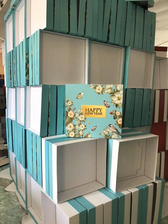 mẫu in hộp quà tết màu xanh nước biển 1