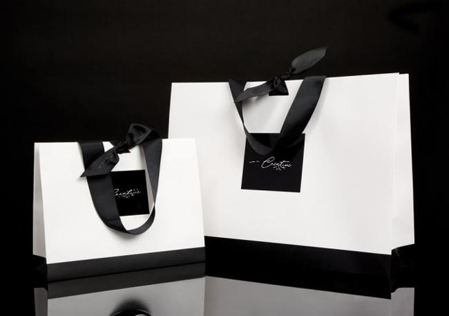 Sản phẩm in túi giấy số lượng ít TpHCM luôn được kiểm tra chất lượng kĩ càng